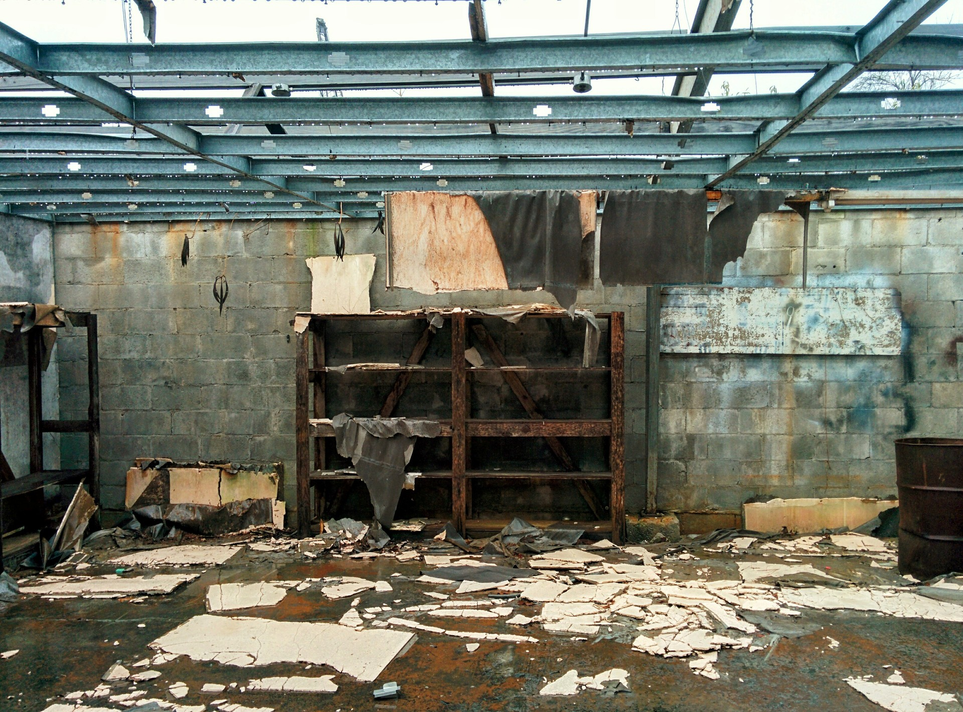 trashed building | jrcastine, abandoned, danger, destruction
