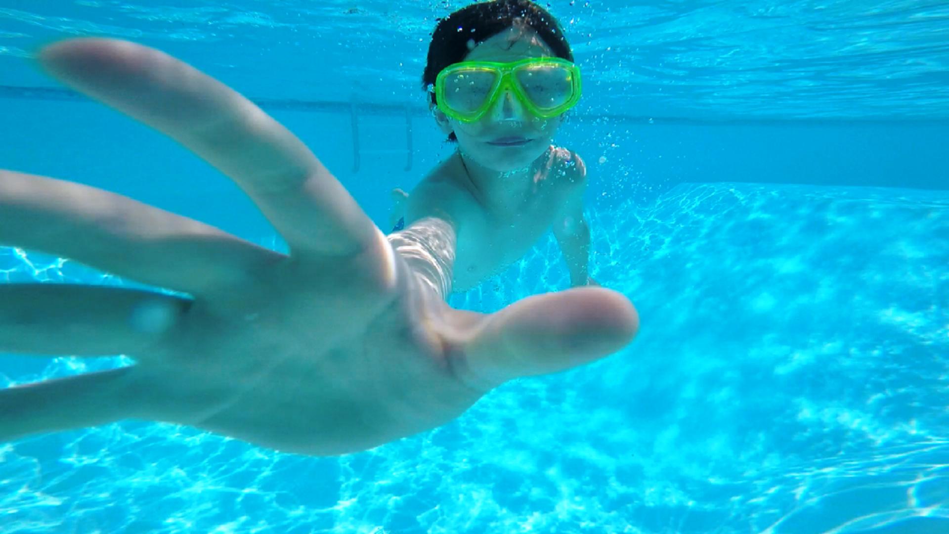 Underwater fun! | jennaklomparens, enjoyment, goggles, leisure