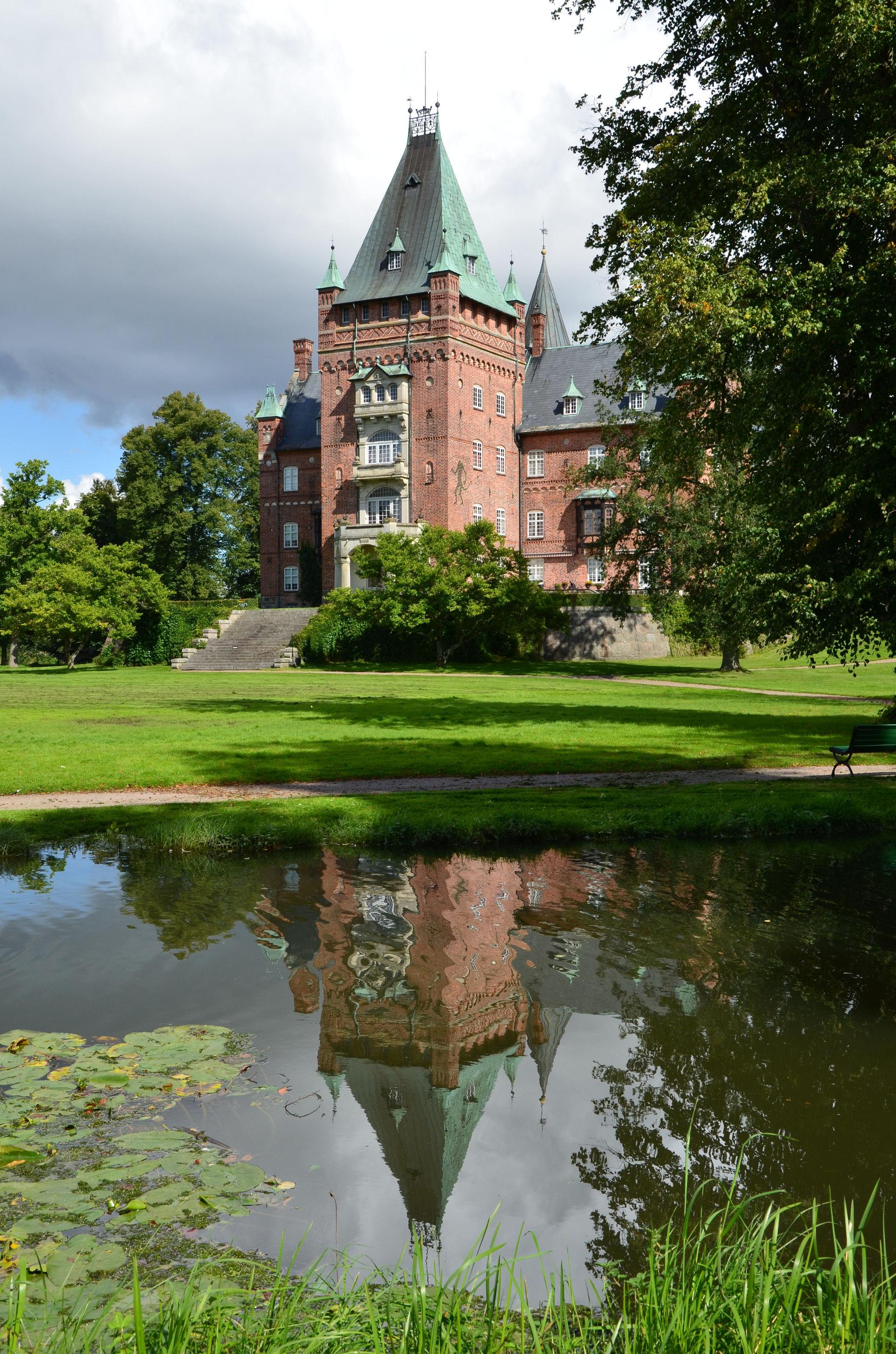 Trollenäs Slott . Trollenäs Slott, Eslöv, Sweden 🌍