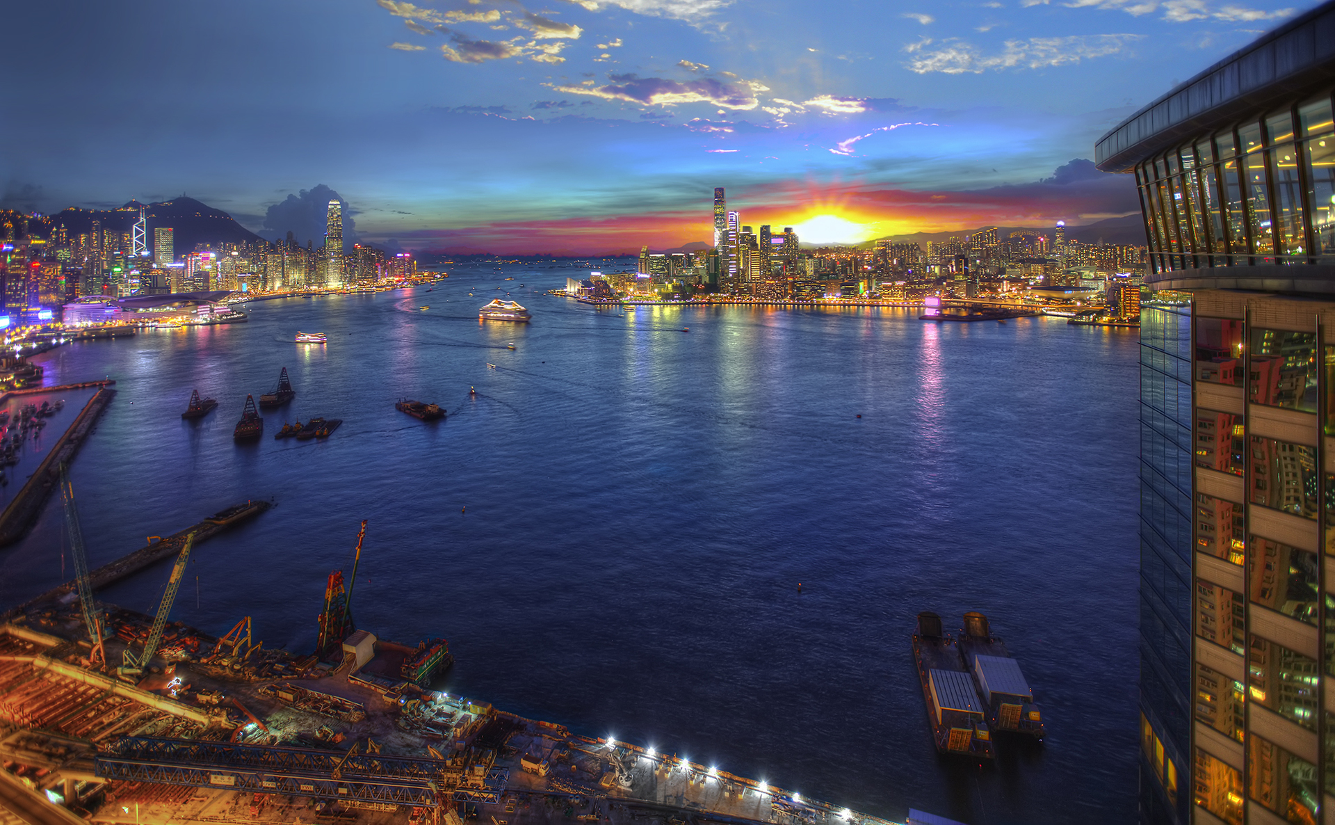 """Kowloon sunset. The sunsets over Hong Kong's """"Kowloon Side"""""""