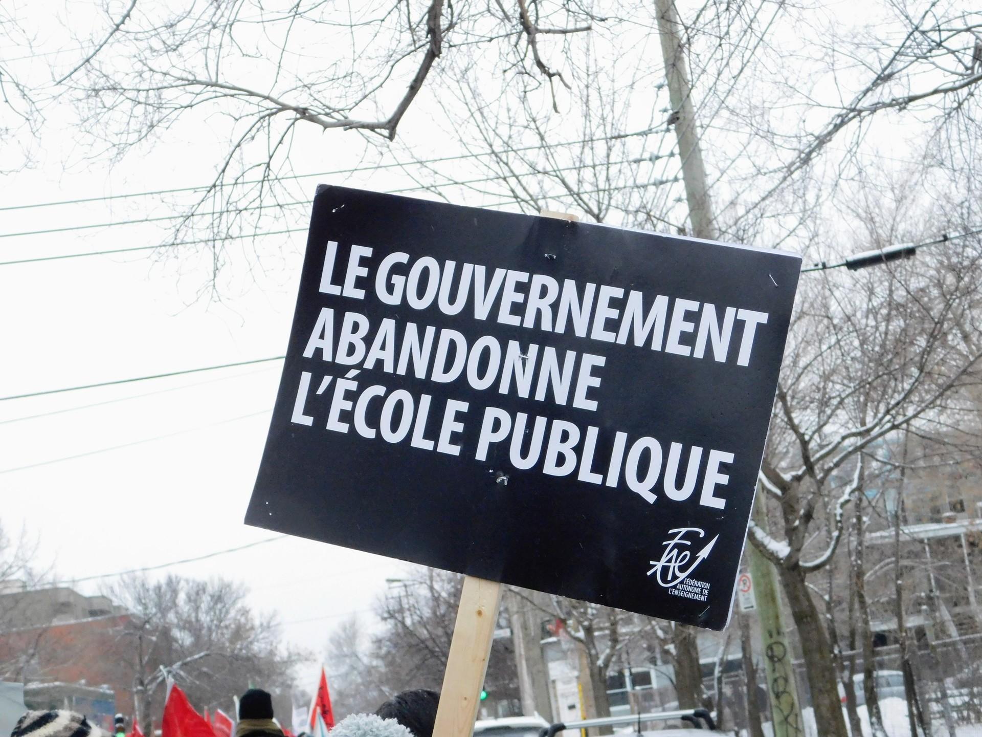 Je soutiens l'école publique | rick.cognyl.fournier, finance, outdoors, rally