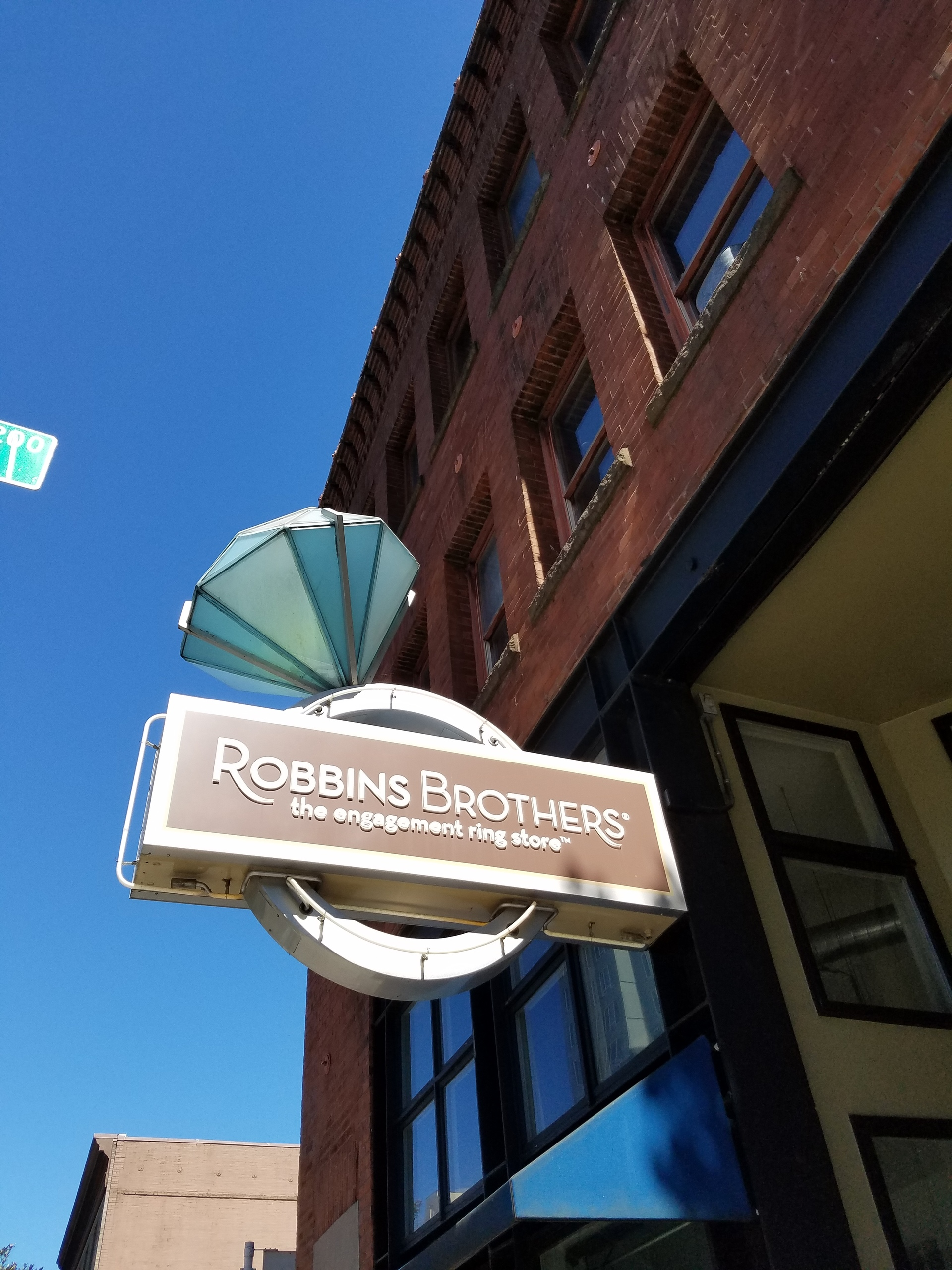 Robins Brothers Store Belltown | elise81, city, business, ee robins