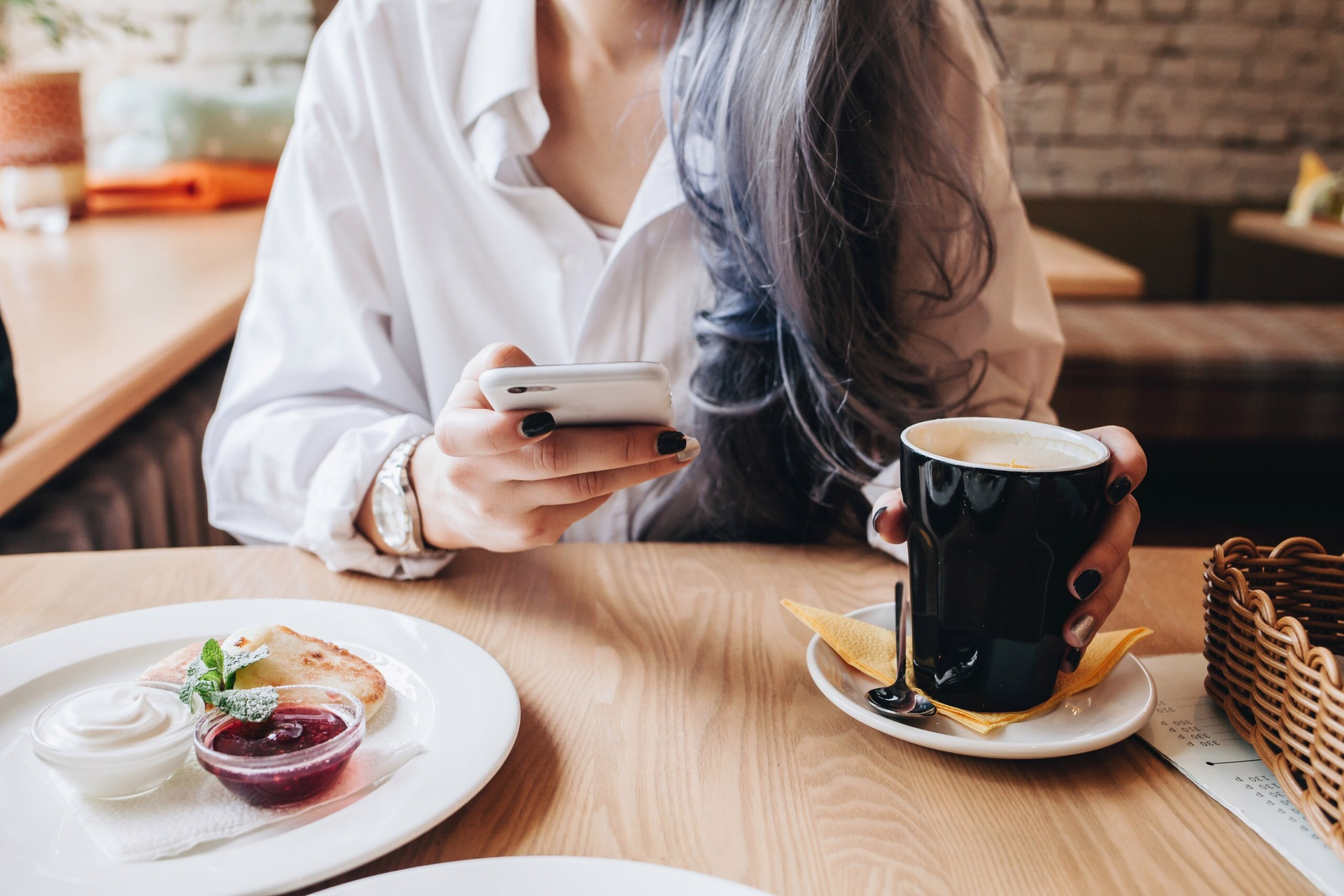 Women in a cafe | adult, breakfast, cup, food